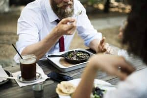 How a Beard Stays Clean When You Eat And Drink